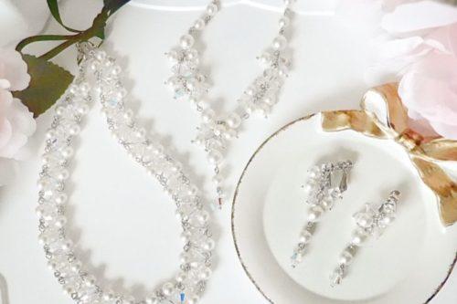 アクセサリー 福袋 2020年 スワロフスキー使用パールモチーフのネックレス、イヤリング、リボンカチューシャ