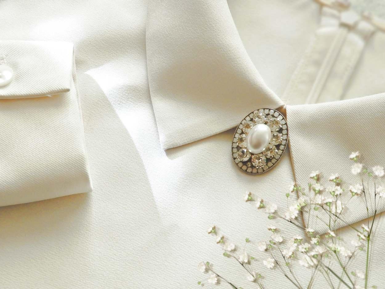 結婚式のお呼ばれゲスト パーティー用 パール ブローチ スワロフスキー使用