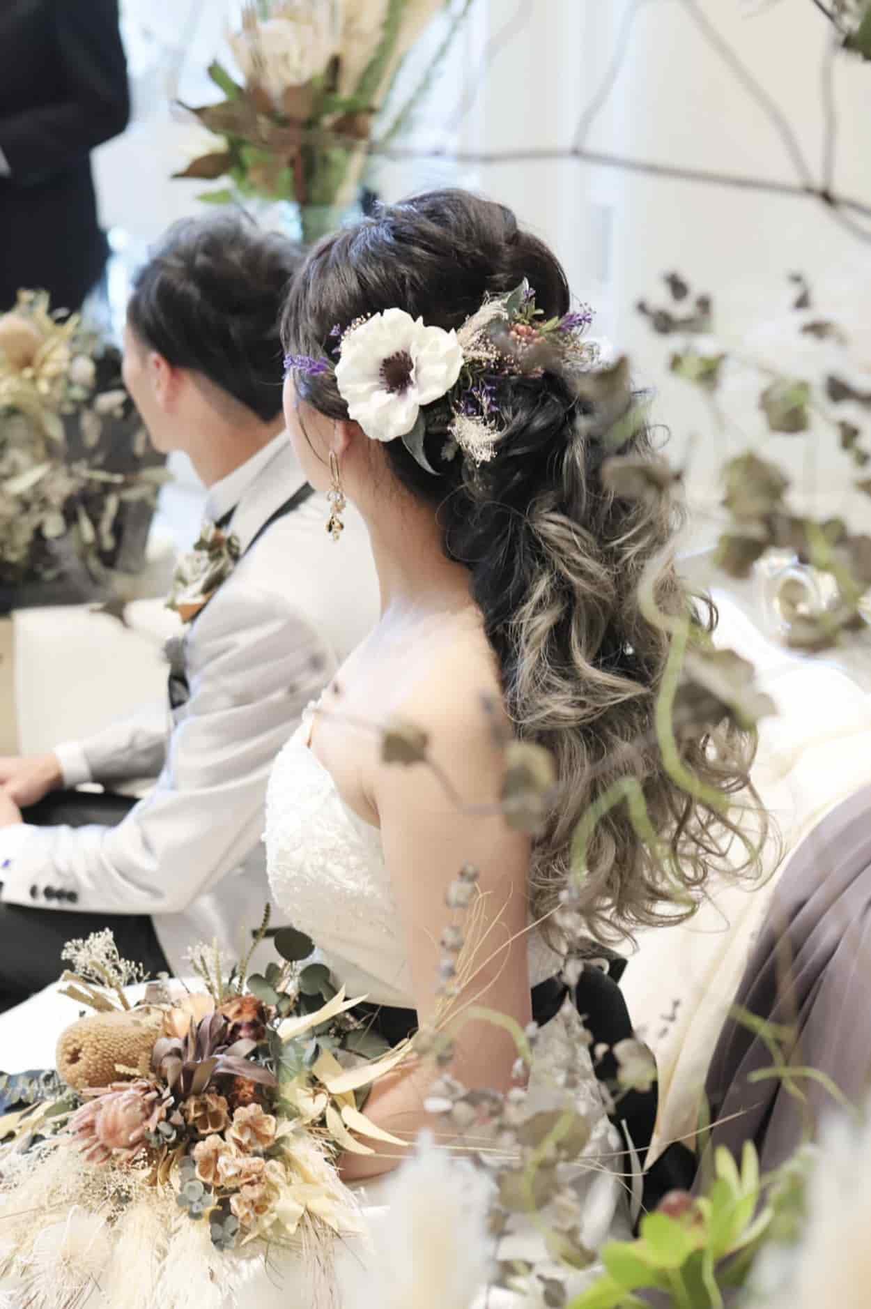 花嫁 髪型 お花 編み込みヘア ウェディングドレス着用