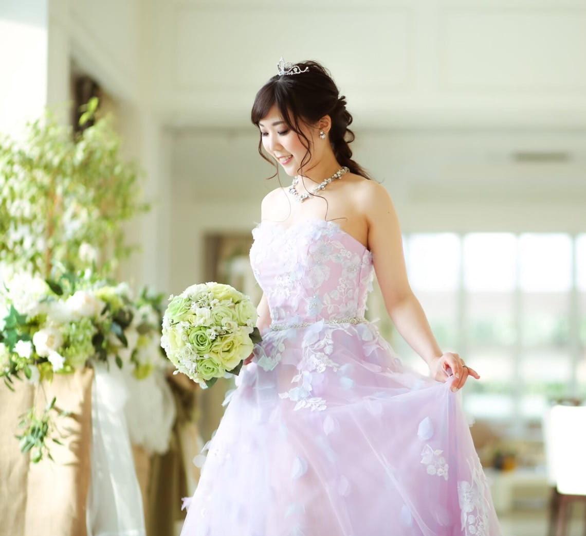 花嫁 髪型 王道ティアラ 編み込みヘア カラードレス着用